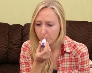 Chora na cukrzycę zażywa wziewną insulinę Afrezza