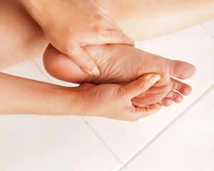 Zapobiagnie stopie cukrzycowej wymaga codziennej dbałości o stopy