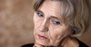 Choroba Alzheimera częściej dotyka kobiety