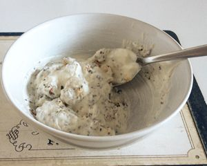 Jogurt z orzechami - śniadanie w diecie cukrzycowej